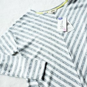 NWT PEYTON PRIMROSE soft striped sweater